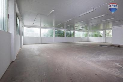 rd. 300 m² Lagerhalle