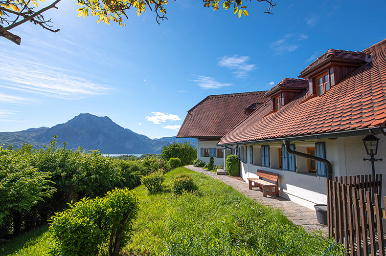 PA Luxusimmobilien RE/MAX - See- und Bergblick - RE/MAX Traunsee